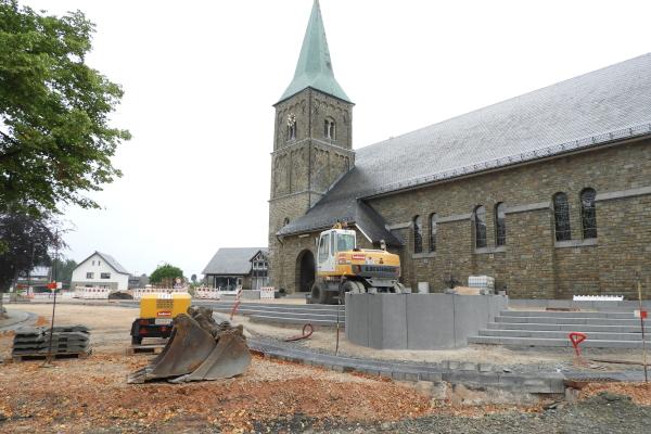 Bauarbeiten am Kirchplatz